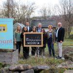 Aus dem Spendentopf gehen 2000 € an den Schulgarten der OMRS.