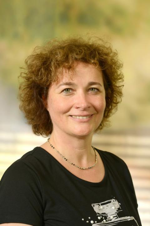 Frau Fiedler : Klassenlehrerin 9a